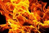 Tauragėje apsipylęs benzinu pasidegė vyras