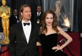 Po teismo – skaudus smūgis A. Jolie: grasina atimti vaikus