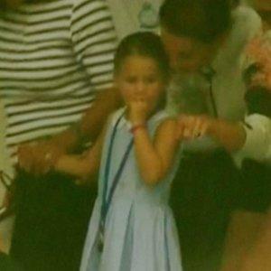 Princesės Šarlotės poelgis virto sensacija, o mamai teko raudonuoti