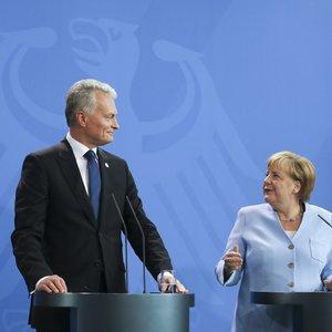 """Nausėdos pirmasis susitikimas su Merkel: """"antrojoje tėvynėje"""" kalbėjo vokiškai, pakvietė į Kuršių neriją"""