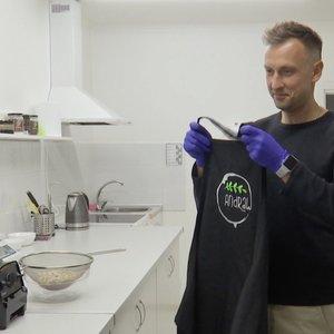 Policijos pareigūnas užsiima išskirtine veikla – kepa skanėstus ir neatsigina klientų