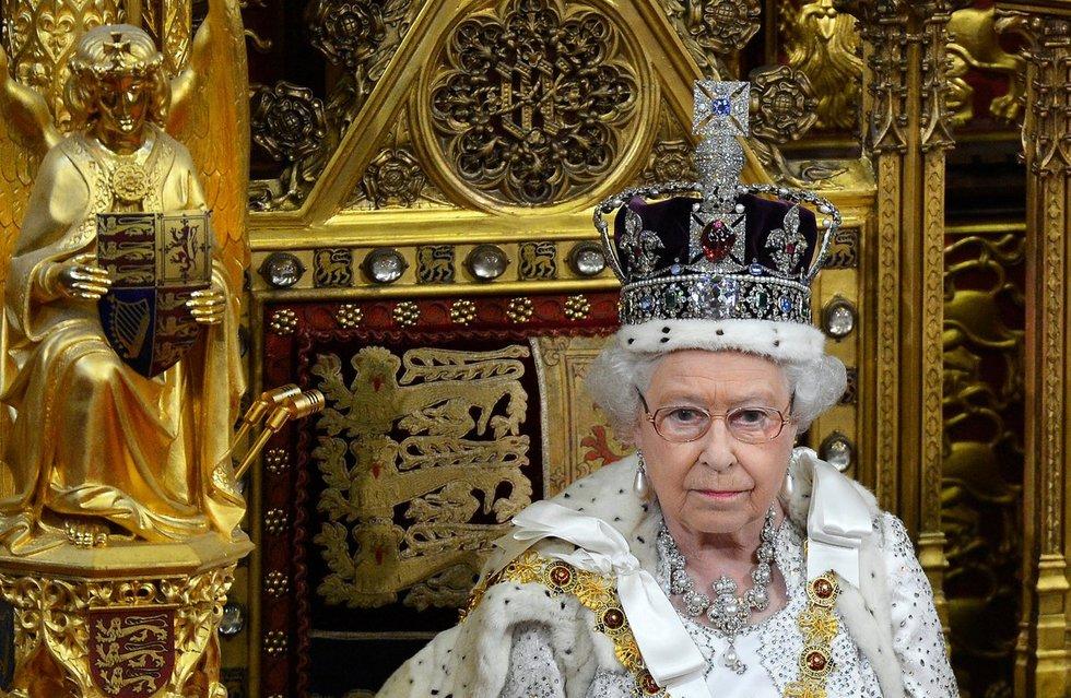 Karalienė lordų rūmuose (nuotr. SCANPIX)