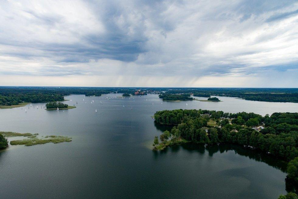 Ežeras (nuotr. Broniaus Jablonsko)