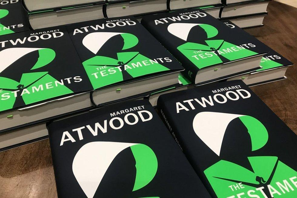 Margaret Atwood nauja knyga, Tarnaitės pasakojimas tęsinys (nuotr. SCANPIX)