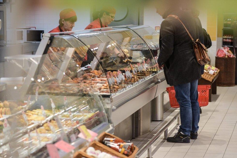 parduotuvėje (nuotr. Fotodiena/Arnas Strumila)  (nuotr. Fotodiena.lt)