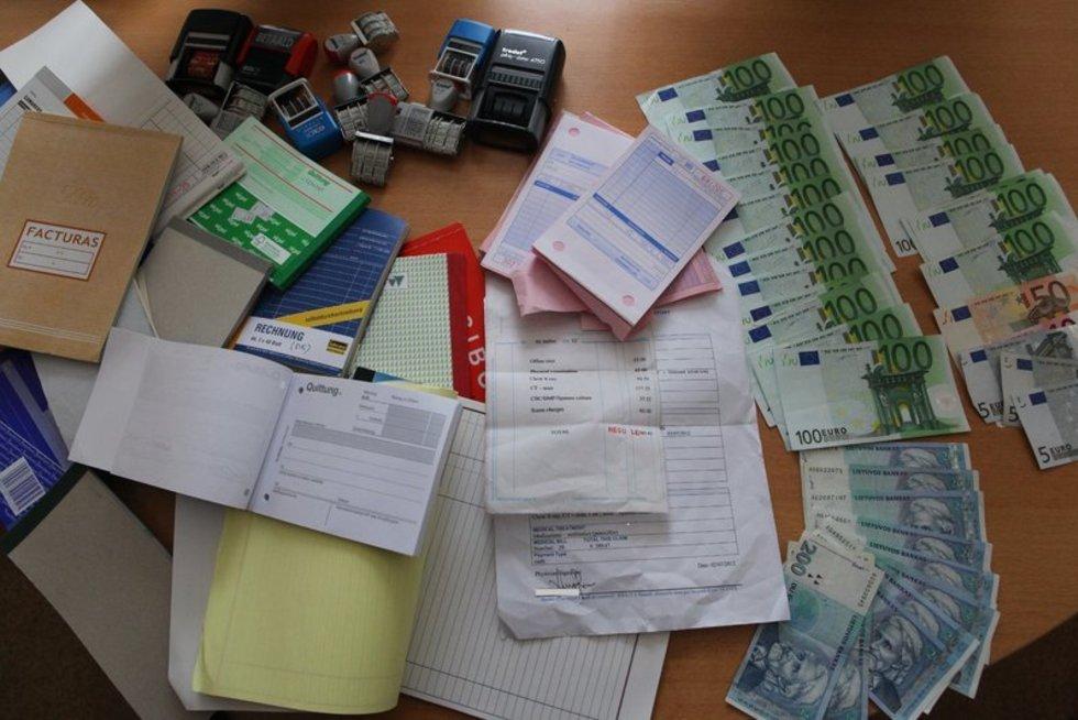 Pinigų plovimas (nuotr. Policijos departamento)