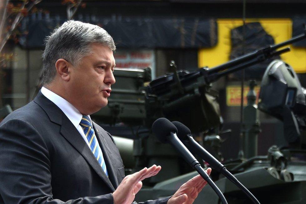 Petro Porošenka ir Ukrainos ginkluotė (nuotr. SCANPIX)