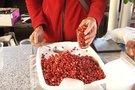 Žemuogių kainos šokiruoja pirkėjus. (nuotr. TV3)
