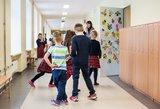 Tėvus papiktino mokyklos abejingumas: krūva vaikų serga, o apie tai tylima