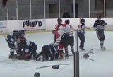 Tokių ledo ritulio muštynių dar nebuvo: kumščius į darbą paleido ne tik žaidėjai, bet ir teisėjas su treneriu