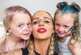 Dvynukių mama sugalvojo originalų būdą, kaip išvengti įkyrių klausinėtojų