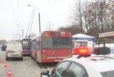 """Viešojo transporto stotelė """"žudikė"""": kenčia ir vairuotojai, ir keleiviai"""