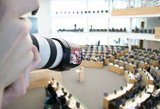 Reformos nė motais: parlamentarai išskubėjo švęsti Joninių