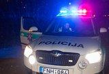 Neblaivus vairuotojas taranavo karo policijos automobilį