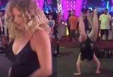 Neblaivi turistė pademonstravo įspūdingą salto: breiko šokėjams beliko gėdytis
