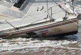 Nelaimė Klaipėdoje: apsivertė jachta, vienas žmogus žuvo, kito – ieškoma