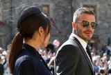 Žmonės pasipiktinę: Beckhamas nederamai bučiavo savo dukrą