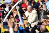 """Lietuvoje viešintis popiežius sujaudino jaunimą žinute apie """"Žalgirį"""" ir """"Rytą"""""""