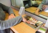 Atskleidė pokytį, kurį pastebi ne visi: trečdalis bankų skyrių išnyko