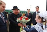 Rusijoje viešintis Kim Jong Unas į renginį vėlavo 2 valandas: nespėjo susiruošti?