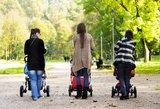 """Besiskiriantys ar užsienyje gyvenantys tėvai už """"vaiko pinigus"""" turi pakovoti"""