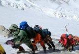 Everesto manija: pakeliui į pavojingą viršūnę – grūstys žmonių