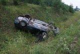 Vilniaus rajone girtas vairuotojas įlėkė į griovį, prireikė gelbėtojų