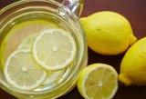 Pagaliau pasakė, ar galima ryte gerti šiltą vandenį su citrina