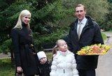 I. Stumbrienė Kauno zoologijos sode tapo erelio jauniklio globėja