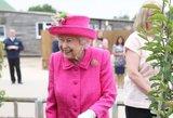 Karalienės amžiui nėra ribų: stebina fiziniais darbais