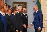 Seime – siūlymas didinti atlyginimą Skverneliui ir ministrams
