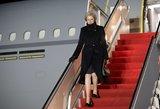 Theresa May atvyksta į JAV su perspėjimu dėl Rusijos