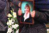 Tokių širdį veriančių laidotuvių miestelyje seniai nebuvo: nužudytosios artimieji matė tragedijos ženklų