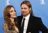 A. Jolie ir B. Pittas planuoja pasidaryti tatuiruotes intymiose kūno vietose