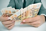 Seimas nusprendė padidinti atlyginimus tarnautojams, biudžetininkams ir politikams