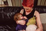 Mamos protestas: žindys savo dukrą iki 7 metų