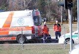 Vilniuje tarnybas ant kojų sukėlė nelaimė prie autobusų stotelės