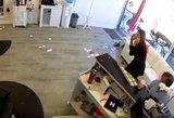 Incidentas kirpykloje šokiravo: lankytojai ir darbuotojai rėkė iš baimės