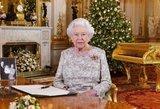 Karalienė įsiutino milijonus: užkliuvo viena detalė