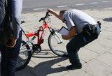 Vilniuje nepilnametis dviračiu parbloškė ir rimtai sužalojo vyriškį