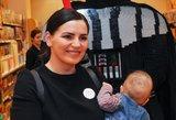 Renata Šakalytė-Jakovleva parodė savo dukrytę: atvyko į parduotuvės atidarymą