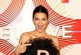 Kendall Jenner stebina gerbėjus: užfiksuota pozuojanti beveik nuoga