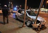 Vilniuje BMW susidūrė su šeimos automobiliu, nukentėjo moteris
