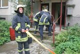Vilniuje sukeltos tarnybos: peiliu moterį sužeidęs vyras prileido dujų ir užsibarikadavo