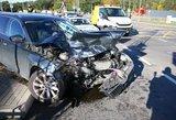 Avarija Vilniuje: pakeliui į mokyklą sudaužyti du automobiliai