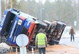 Pamatykite, kaip vyksta sunkvežimio atvertimo operacija
