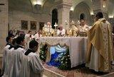 Celibato panaikinimas kunigų pašaukimo nepadidintų?