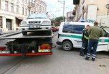 """Vilniaus centre – pavojinga avarija: """"Volvo"""" taranavo autobusą"""