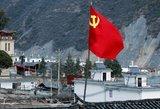 Kinijoje užsidegus turistiniam autobusui žuvo 26 žmonės