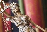 Neblaivi vairavusi buvusi teisėja atleista nuo atsakomybės